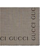 شال Gucci من الصوف مزين بشعار Gucci
